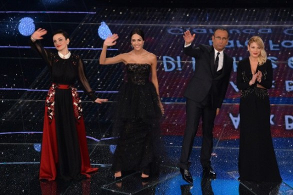 NoteVerticali.it_Sanremo2015_finale_Emma_Arisa_RocioCarloConti