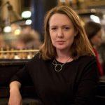 """""""La ragazza del treno"""" di Paula Hawkins. Il thriller estivo che sta conquistando i lettori di tutto il mondo"""