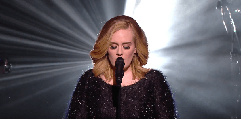NoteVerticali.it_Adele-NRJ-Music-Awards-Cannes
