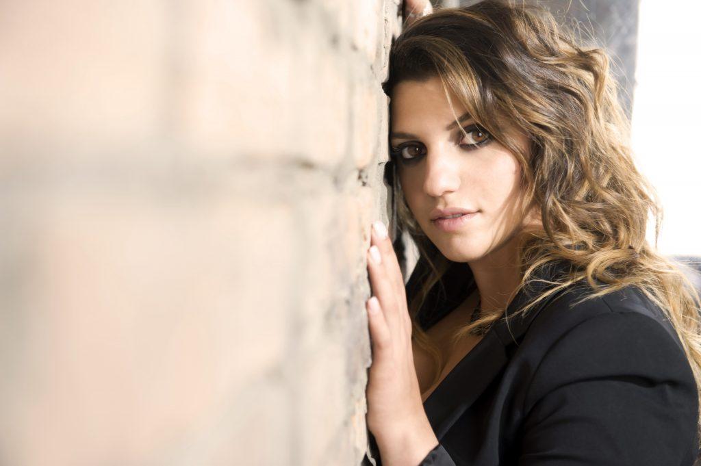 Deborah Iurato canterà in coppia con Giovanni Caccamo