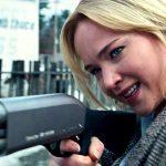 Joy: Jennifer Lawrence in una favola moderna che esalta lo spirito americano