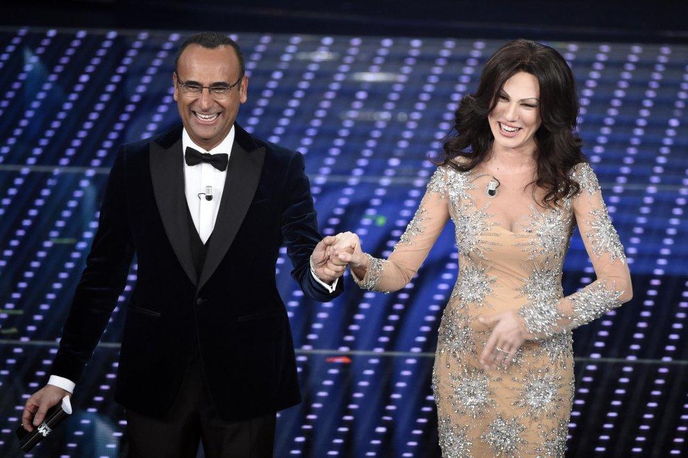 Sanremo 2016: Carlo Conti e Virginia Raffaele versione Ferilli