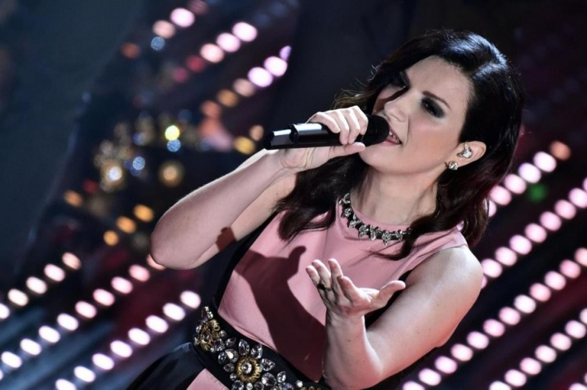 NoteVerticali.it_Laura_Pausini_Sanremo2016_3
