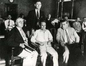 Joe Zangara, nel 1933, nel corso del processo che lo portò alla morte