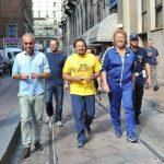 Poveri ma ricchi: De Sica, Ocone e Brignano in una commedia senza troppe pretese ma gradevole