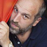 Magari domani resto: l'inno di speranza di Lorenzo Marone