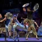 Stomp: al teatro Brancaccio il ritmo travolgente di Luke Cresswell e Steve McNicholas