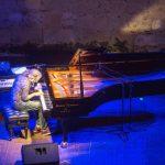 Stefano Bollani: a Cosenza show da incorniciare tra musica, leggerezza e improvvisazione